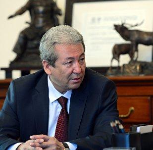 Бүтүн Кыргызстан Эмгек партиясынын тең төрагасы Адахан Мадумаров. Архив