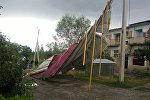 Ураганный ветер снес крышу жилого двухэтажного дома в Кербене Джалал-Абадской области.
