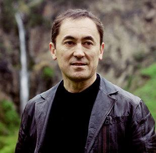 Архивное фото лидера партии Мекен ынтымагы Темирбека Асанбекова