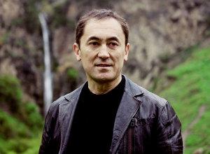 Мекен Ынтымагы партиясынын лидери Темирбек Асанбековдун архивдик сүрөтү