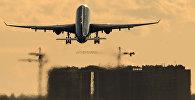 Самолет совершает взлет в международном аэропорту Шереметьево. Архивное фото
