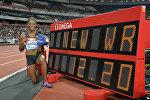 Америкалык жөө күлүк Кендра Харрисон 100 метрге тоскоолдук менен чуркоодо дүйнөлүк рекорд жаңылады