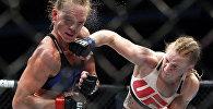 Бой Валентины Шевченко и Холли Холм на UFC on FOX 20 в Чикаго. Архивное фото