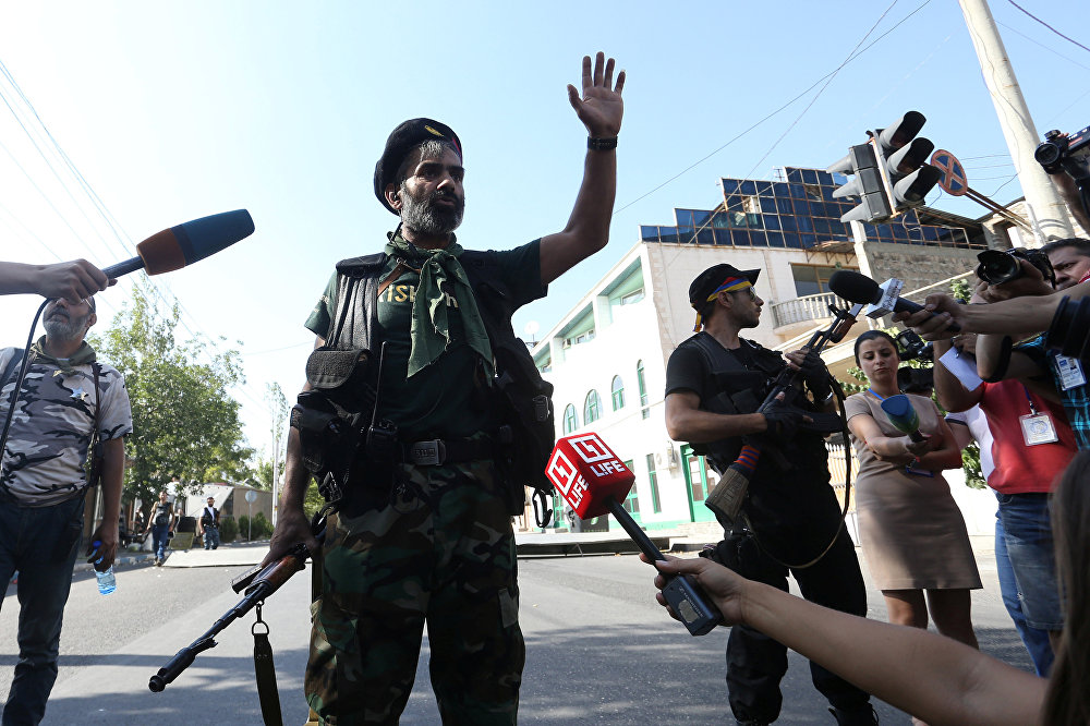 Ишемби күнү Ереванда 17-июлдан бери барымтага алынгандар бошотулду.