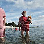 Данияда дүйнөдөгү бардык Санта Клаустар 59-конгресске чогулду. Салт боюнча конгресс Копенгагендин жанындагы Bellevue көлүнө түшүү менен башталды.