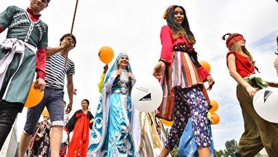 Оймо фестивалынын катышуучулары. Архив