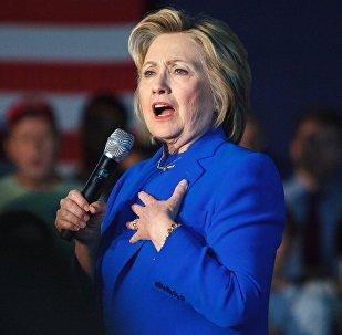 Кандидат в президенты США от Демократической партии Хиллари Клинтон во время предвыборного ралли в городе Луисвилл штата Кентукки.