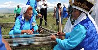 Участники фестиваля Элет керемети в местности Алтын-Булак села Кайырма-Арык Иссык-Кульской области