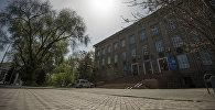 Республиканская библиотека для детей и юношества им.К. Баялинова. Архивное фото