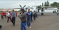 ВИДЕО Серик Сапиев с карагандинцами протащил 17-тонный самолет
