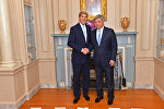 Министр иностранных дел КР Эрлан Абдылдаев во время встречи с госсекретарем США Джоном Керри