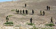 Участники совместного занятия начальников пограничных застав, дислоцированных на кыргызско-таджикской государственной границе