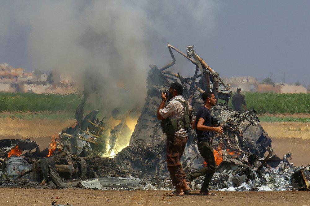 Сирияда Россиянын Ми-8 тик учагы террористтер тарабынан атылды. Тик учак Алеппо шаарына гумжардам жеткирип келе жатканда атылган