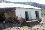 Последствия сильного дождя в селе Терек-Сай: были затоплены дворовые участки и сараи 10-15 жилых домов на улице Мурзабекова.