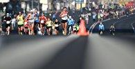 Спортсмены во время забега. Архивное фото