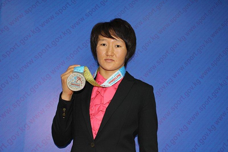 Участница Олимпиады-2016, мастер спорта международного класса по женской борьбе Айсулуу Тыныбекова