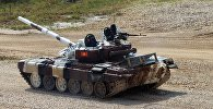 Танковый экипаж Кыргызстана во время соревнований в подмосковном военном полигоне Алабино
