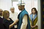 Презентация формы для участников церемонии открытия II Всемирных игр кочевников. Архивное фото