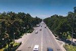 Вид на автомобили на проспекте Чынгыза Айтматова в городе Бишкек. Архивное фото