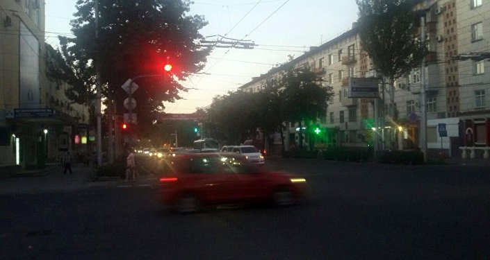 Автомобили на проспекте Манаса в городе Бишкек
