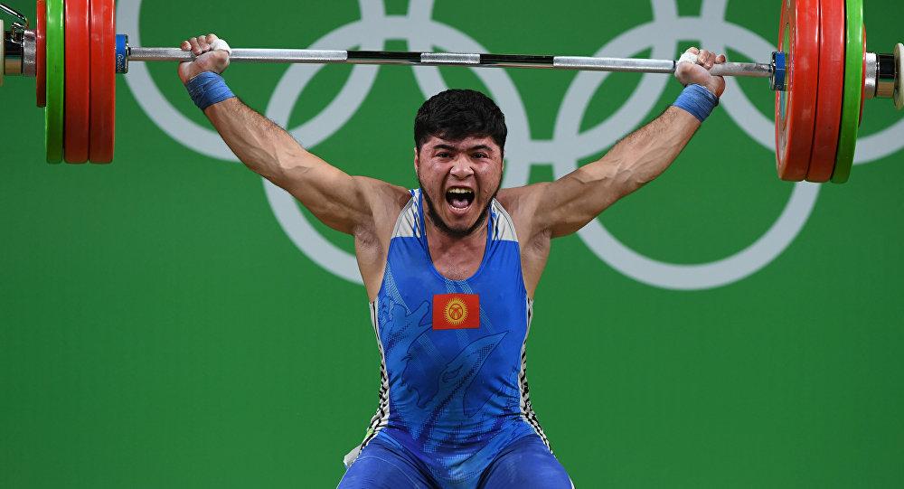 Попавшийся надопинге штангист изКиргизии лишился олимпийской медали— 1-ый  пошел