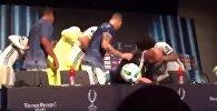 Игроки Реала сорвали пресс-конференцию Зидана, ворвавшись в зал