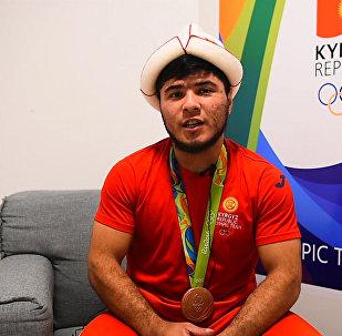 Спасибо всему Кыргызстану! — олимпийский призер Артыков и его тренер