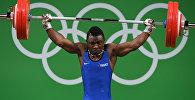 Французский тяжелоатлет Бернардин Кингу Матам на XXXI летних Олимпийских играх в Рио-де-Жанейро
