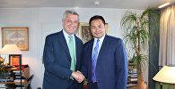 Постоянный представитель Кыргызстана в ООН Данияр Мукашев во время встречи  с верховным комиссаром по делам беженцев (ВКБ) Филиппо Гранди