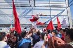 Встреча олимпийцев сборной Кыргызстана в аэропорту Манас из Рио