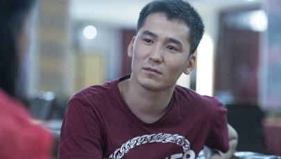 Популярный кыргызский певец Мирбек Атабеков. Архивное фото