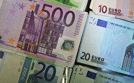 Купюры евро разного достоинства. Архивное фото