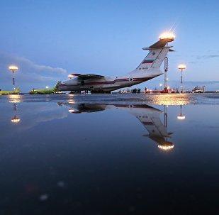 Спецборт МЧС России в аэропорту. Архивное фото