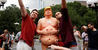 АКШнын президенттигине талапкерлигин коюп жаткан республикачы Дональд Трамптын жылаңачтанган эстелиги. Архивдик сүрөт
