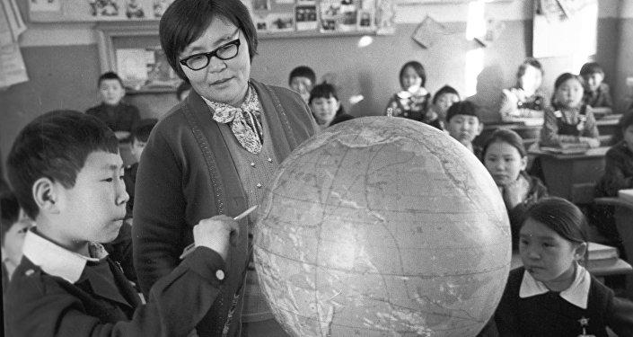 Урок природоведения в советской щколе. Архивное фото