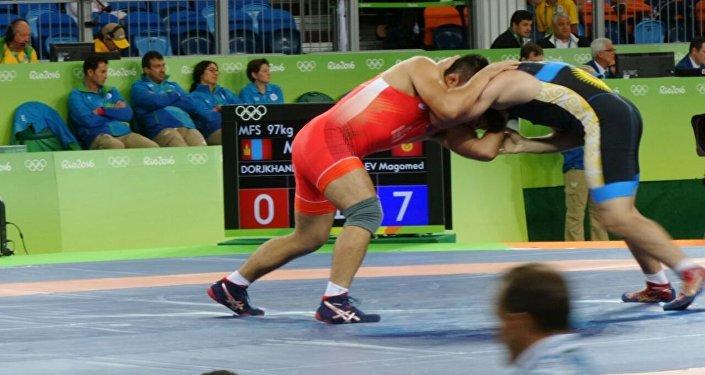 Бразилиядагы жайкы Олимпиада оюндарында Кыргызстандын намысын коргоп жаткан балбан Магомед Мусаев 1/8 финалда монголиялык спортчу Доржханд Худербугланы 9:0 эсебинде жеңип алды.