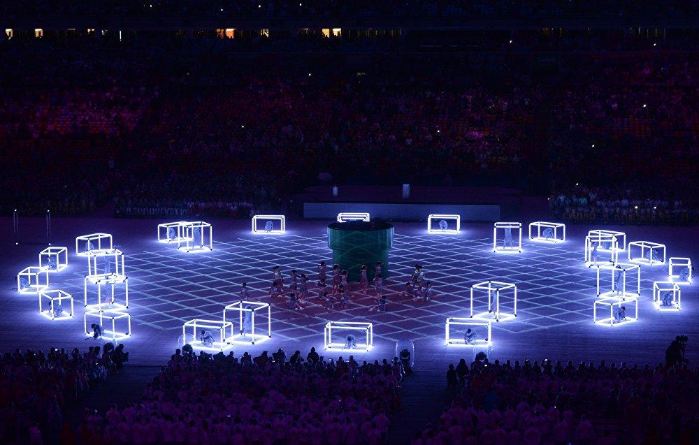 Бразилиядагы XXXI жайкы Олимпиада оюндарынын жабылуу аземиндеги артисттер