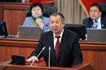 Министр чрезвычайных ситуаций Боронов Кубатбек во время церемонии принесения присяги