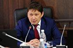Президенттин аппаратынын тышкы саясат бөлүмүнүн башчысы Сапар Исаков. Архив
