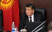 Архивное фото избранного президента КР Сооронбая Жээнбекова