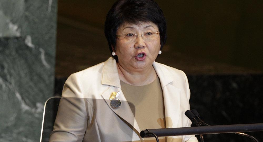 Архивное фото экс-президента Кыргызстана Розы Отунбаевой