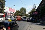 Киев көчөсүндө тыгында турган унаалар