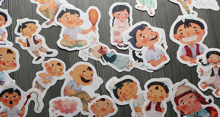 Отображать 38 эмоций будут кыргызские мальчик и девочка