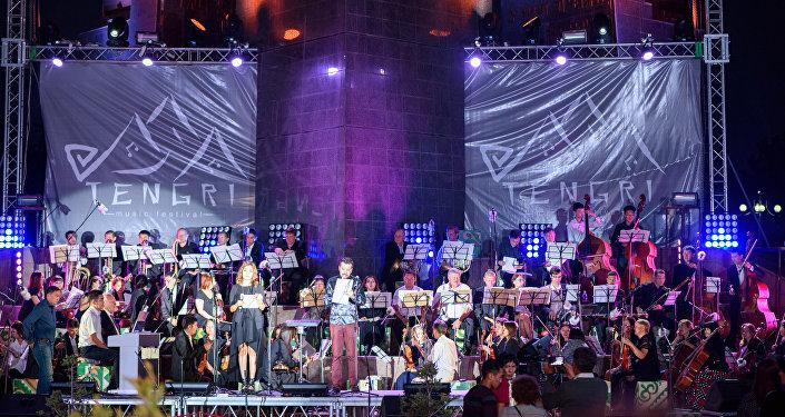 23 августа в столичном парке Победы имени Даира Асанова прошел фестиваль TENGRI music, на котором собралось свыше двухсот человек
