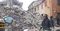 Землетрясение в Италии: работа спасателей и кадры разрушений