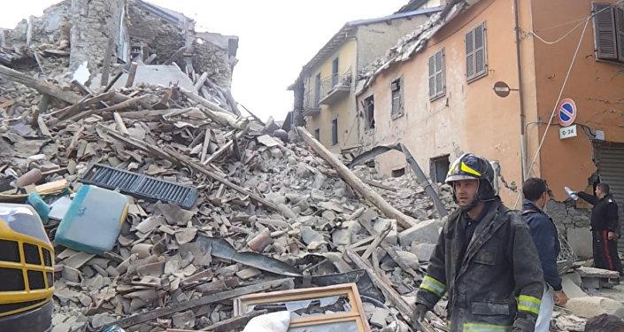Из-за землетрясения вИталии погибли 247 человек