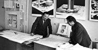 Архитектор Аскар Исаев (слева). Архивное фото
