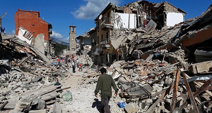 Число жертв  в итоге  землетрясения вИталии значительно возросло