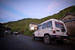 Непалдагы тез жардам унаасы. Архив