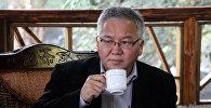 Архивное фото кыргызского политолога Марса Сариева